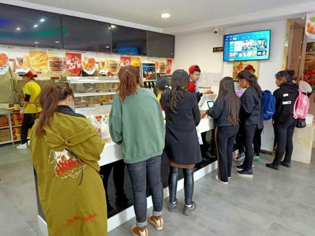 【十大汉堡店】创业选择快乐星汉堡店加盟,助您轻松获取财富!